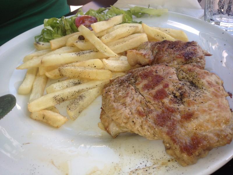 Meniul-Zilei-Ceafa-Cartofi